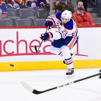 Oilers erupt for five goals in third period
