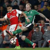 Arsenal ousts Lincoln from F.A. Cup