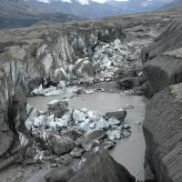 Canada glacier melt rerouted in a day in rare case of warming-linked 'river piracy'