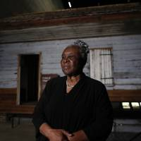 Woman, 86, visits Smithsonian to see slave cabin she was born in