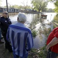Storms sweep through Deep South, leaving five dead