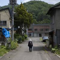The deserted town of Yubari in Hokkaido illustrates Japan's shrinking and aging population, a problem that will become more acute in 2065. | BLOOMBERG