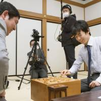 Shogi prodigy sets record with 11 straight wins since debut