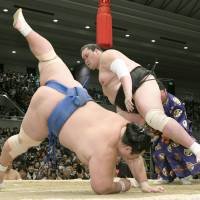 Sumo association queried about hate speech taunts during spring tourney