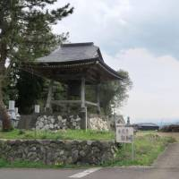 The main building of a Buddhist temple in the city of Toyama has been pulled down after its organization was dissolved. The Honganji group started offering support to member temples suffering from a shortage of priests and local supporters. | KYODO
