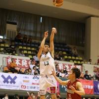 Storks guard Noriaki Douhara has helped the second-division squad win 12 of its past 14 games. | B. LEAGUE