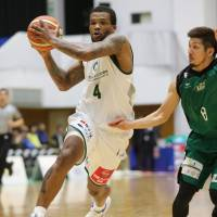 Storks star Draelon Burns has made a big impact for the Central Division-leading club since he joined the team in December. | B. LEAGUE