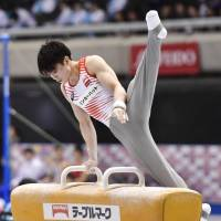 Uchimura finishes fourth in qualification round at nationals