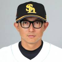 Hawks call up Kawasaki from farm team