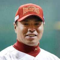 Former big leaguer Iwamura to retire at end of season