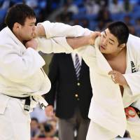 Ojitani edges Wolf to defend national judo title