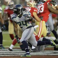 Lynch ends retirement, OKs deal with Raiders