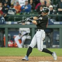 Ichiro slugs first homer in defeat