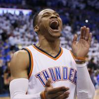 Thunder outlast Rockets, trim series lead to 2-1