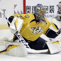 Predators dump Blackhawks out