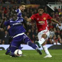 United reaches Europa League semis but loses Ibrahimovic