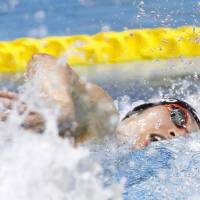 Hagino rallies to win men's 200 freestyle; Ohashi shatters national mark in women's 400 IM