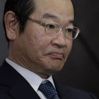 Daiwa Securities not forming capital ties with banks, president says