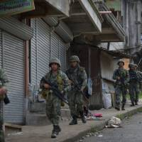 Death toll near 100 as Philippine forces pound Islamic State-allied rebels