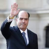 Julio Borges, president of the National Assembly and deputy of the Venezuelan coalition of opposition parties (MUD), arrives at the government palace in Lima Thursday. | REUTERS
