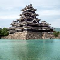 National treasure Matsumoto Castle seen in need of stronger quake resistance
