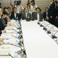 Panel calls for outsourcing Japan labor inspections to private sector, scrapping hotel minimum guest room rule