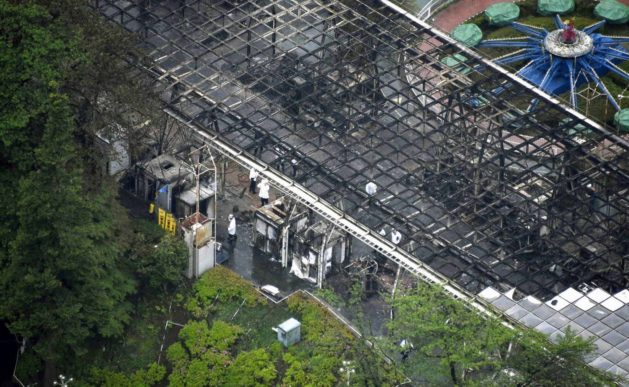 A fire late Friday at Seibuen in Tokorozawa, Saitama Prefecture, burned about 1,000 sq. meters of the amusement park. kyodo