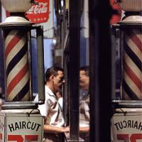 'Haircut' (1956) | © SAUL LEITER FOUNDATION