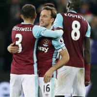 Chelsea path to title eased as Tottenham falls to West Ham