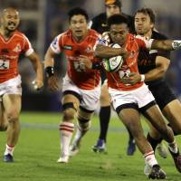 Kotaro Matsushima (above) carries the ball during the Sunwolves' 46-39 defeat to the Jaguares in Buenos Aires on May 6. | AP