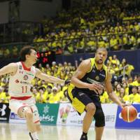 Kawasaki, Tochigi to clash in B. League final