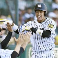 Triumphant Tigers stage seventh-inning rally against Carp