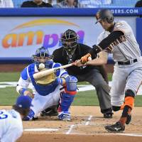 Early homers propel Giants past Dodgers