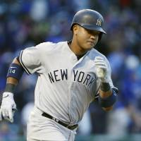 Castro shines against former team in Yankees' win over Cubs