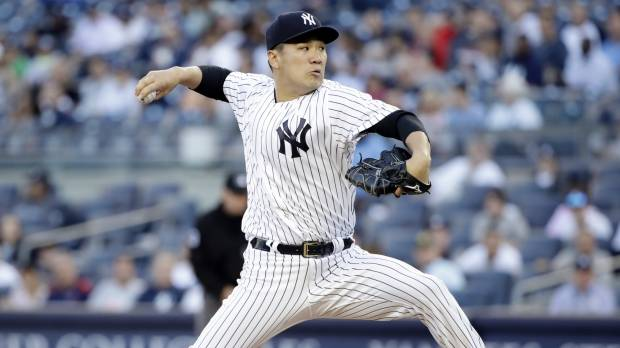 Yankees fall despite strong performance from Tanaka