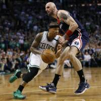 Thomas explodes for 53 on late sister's birthday as Celtics take 2-0 series lead against Wizards