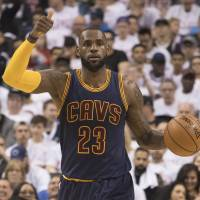LeBron, Cavaliers complete sweep of Raptors
