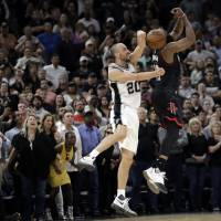 Spurs' supporting cast steps up to secure win over Rockets