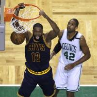 LeBron, Cavaliers manhandle Celts