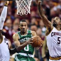 Gutsy Celtics rally for stunning win over Cavs