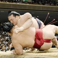 Injury forces Kisenosato out of Summer Basho
