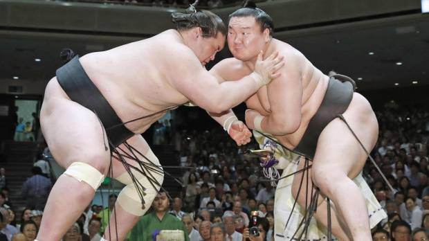 Hakuho wraps up 38th championship