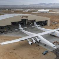 Enormous Stratolaunch rolled out for first time for preflight checks