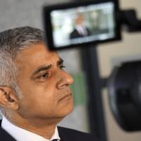 London mayor says he doesn't care about Trump's caustic tweets, hits travel ban