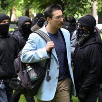 Police stay in middle as Portland pro-Trump free speech rally, counterprotests draw thousands
