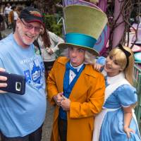 California man sets record by visiting Disneyland for 2,000 days in a row
