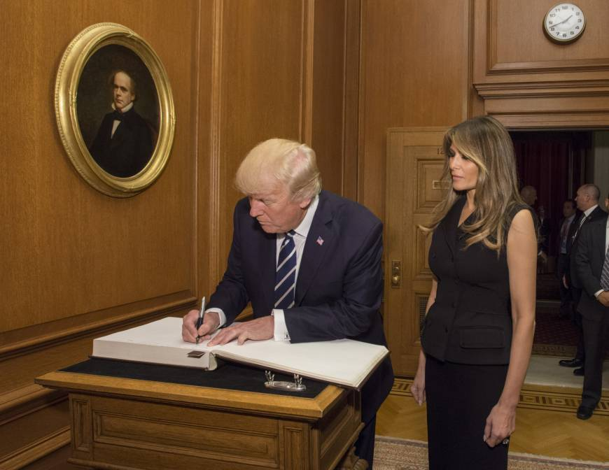 Trump visits Supreme Court for Gorsuch ceremony as ...