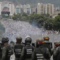 All eyes on Venezuelan military as country grapples political crisis