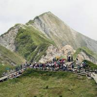 2,929 people get lost exploring Japan's mountains in 2016: NPA