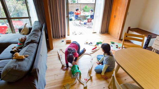 As Japanese poverty grows, support groups spring up to help single moms deal with harsh economy